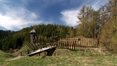 Starodávná dřevěná pevnost