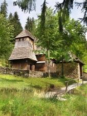 Vzácný dřevěný kostel