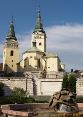 Kostel a kašna v Žilině