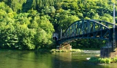 Železniční most blízko obce Strečno