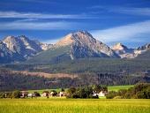 Tatry a vesnice v létě