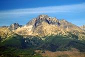 Strmé vrcholky Vysokých Tater v létě
