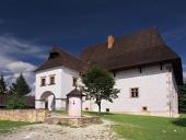 Vzácný zámeček ve skanzenu Pribylina na Slovensku