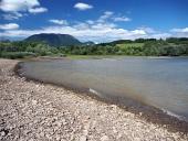 Břeh přehrady Liptovská Mara a Západní Tatry