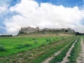 Polná cesta k Spišskému hradu během léta