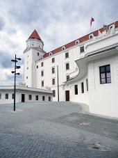 Hlavní nádvoří Bratislavského hradu, Slovensko