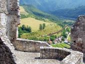 Letní pohled z hradu Strečno