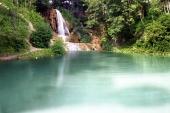 Jezero a vodopád