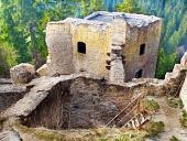 Ruiny interiéru Likavského hradu