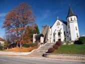 Gotický kostel v obci Mošovce, Slovensko