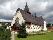 Kostel svaté Anny v obci Oravská Lesná na Slovensku