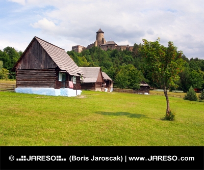 Lidové domy a zámek ve Staré Ľubovni
