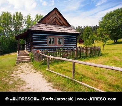 Vzácný lidový dům ve skanzenu Stará Ľubovňa
