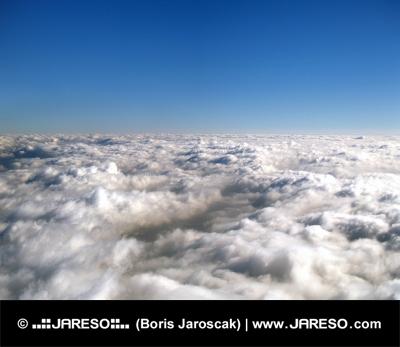 Nekonečné moře oblaků