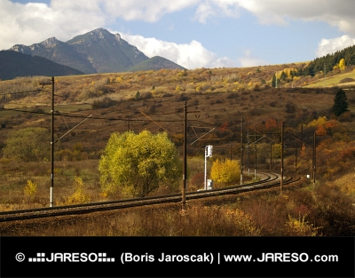 Železnice a kopec