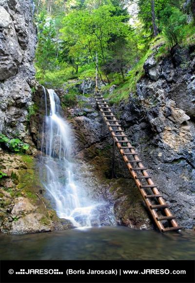 Vodopád v Kvačianské Dolině na Slovensku