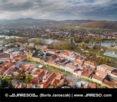Letecký pohled na město Trenčín na Slovensku