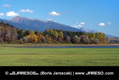 Roháče a Kriváň tak jak je lze vidět z Bobrovníka