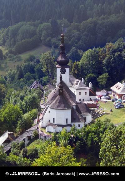 Špania Dolina a kostel Proměnění Páně