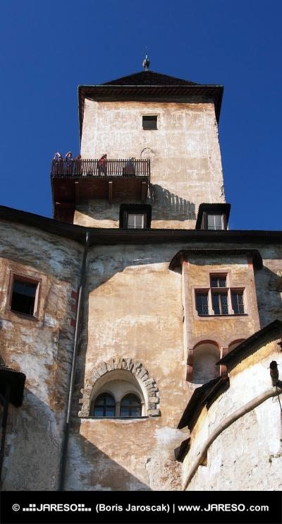 Věž a vyhlídkový balkon na Oravském hradě