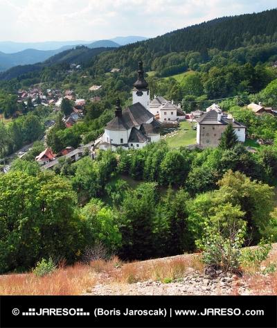 Špania Dolina s kostelem, Slovensko