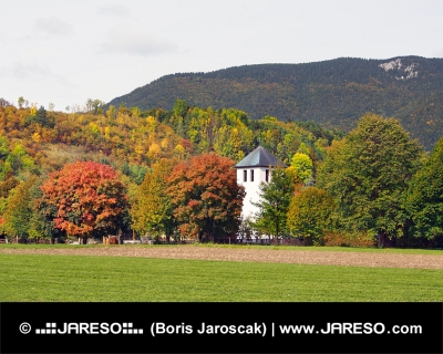 Pole a kostel v Liptovské Sielnici